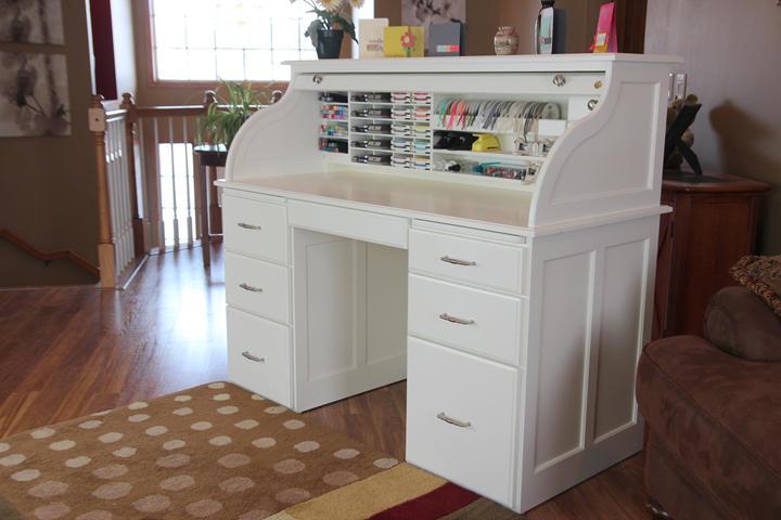 white-desk-7201.jpg